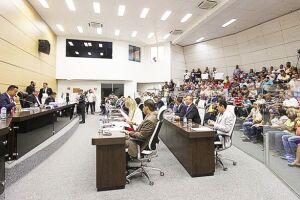 O veto foi recebido com surpresa pelos vereadores, que afirmaram ter discutido o assunto previamente com Suman que teria se posicionado em favor do projeto