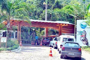 Condomínios de luxo mantêm portarias e limitam o acesso de veículos às praias da região do Rabo do Dragão