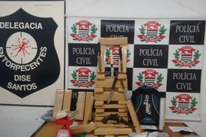 Maconha era distribuída a traficantes em um prédio na Rua Carvalho de Mendonça, conforme apuraram os investigadores