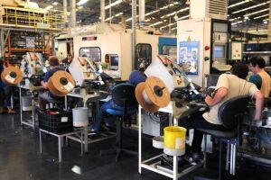 Alta de 0,6% na produção industrial de abril elimina parte da queda de 1,3% anotada em março