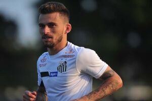 Lucas Lima segue fora do time do Santos