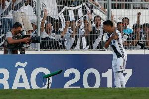 Ex-Corinthians, Lucca voltou a ser decisivo com a camisa 9 da Ponte Preta