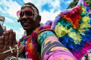 Cerca de 3 milhões de pessoas devem participar neste domingo (18), em São Paulo, da 21ª Parada do Orgulho LGBT