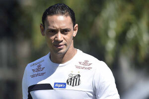 O centroavante Ricardo Oliveira não deve retornar tão cedo aos gramados tão cedo