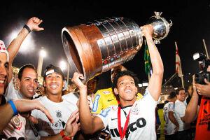 Gol em La Bombonera encaminhou título da Libertadores, conquistado em vitória por 2 a 0 no Pacaembu