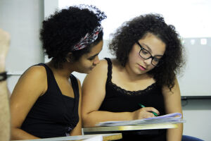As roteiristas do curta-metragem Ana, Nicolle Ferreira e Isabella Rosa