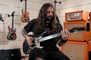 Documentário conta a jornada da banda de heavy metal Sepultura ao longo de seus 30 anos de história