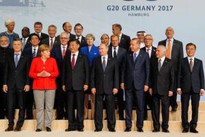 Chefes de Estado e de Governo que integram o G20 em foto oficial do encontro em Hamburgo, na Alemanha