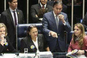 Mesmo fora da cadeira de presidente, Eunício Oliveira (PMDB-CE) acelerou a votação da reforma trabalhista