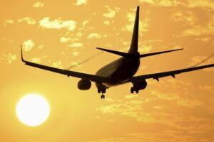 Os EUA cancelaram a proibição de uso de dispositivos eletrônicos a bordo de voos vindos dos Emirados Árabes Unidos