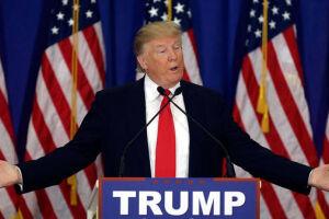 Trump critica imprensa e Hillary Clinton no Twitter