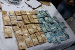 Dinheiro apreendido durante a operação, que foi deflagrada pelo Gaeco de Santos