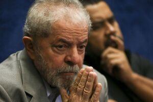 A defesa do ex-presidente Lula afirma em nota que o processo foi 'tendencioso' e 'politicamente motivado'