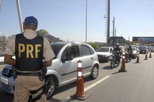 A Polícia Rodoviária Federal informou que vai suspender uma série de serviços de patrulhamento