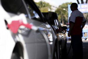 Alta nos combustíveis puxou a inflação no mês