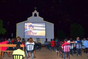 O Cinesolar utiliza energia limpa e renovável para exibições de filmes