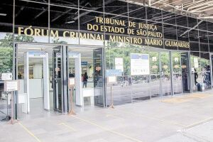 O júri, com previsão de três dias, é realizado no Fórum da Barra Funda, em São Paulo