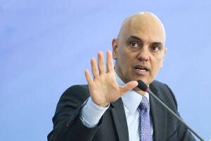 Alexandre de Moraes devolve pedido de vista sobre foro privilegiado