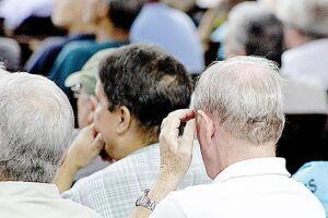 Taxa de juros em queda para aposentados e pensionistas