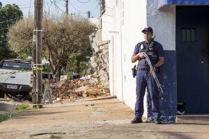 Quadrilha explode prédio de empresa de valores e mata policial civil em Araçatuba (SP)