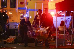 A investigação sobre Stephen Paddock, 64, responsável pelo pior atentado a tiros da história americana, agora se concentra em Marilou Danley, 62, namorada do atirador