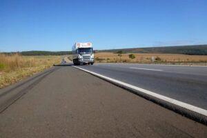 A PRF vai proibir o tráfego de veículos de carga pesada em pistas simples