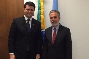 Cristian Wittmann ao ladodo embaixador do Brasil na ONU, Antônio Patriota
