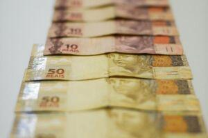 Restituição do IR dá R$ 2,8 bi a 2,3 milhões de contribuintes