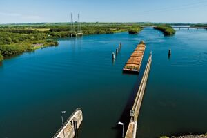 Evento foi criado para debater a utilização dos rios da região para transporte de cargas e passageiros