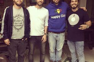 Música de Bruno foi gravada na casa do guitarrista Marcão, em Santos