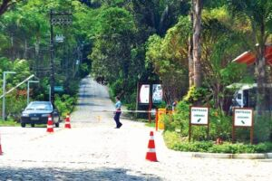 Hoteleiro foi proibido de acessar uma das praias localizadas na região do Rabo do Dragão