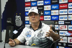 Levir Culpi permanecerá no comando do Santos até o fim do campeonato