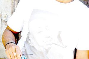 O ator santista Luciano Quirino é um dos homenageados do festival