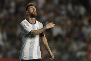 Messi passou em branco no jogo contra o Peru