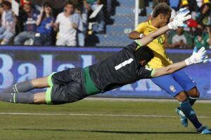 Neymar perdeu uma boa chance de gol