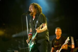 O Pearl Jam anunciou nesta quarta (25) que também fará show no Rio de Janeiro no ano que vem