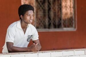 """""""Pelé: O Nascimento de Uma Lenda"""" conta a ascensão do lendário jogador de futebol à glória"""