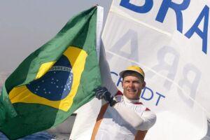O velejador de 44 anos surpreendeu e anunciou que não disputará mais nenhuma Olimpíada, a três anos para o Jogos de Tóquio, em 2020