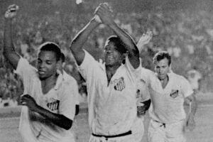 Santos de Pelé conquistou seu segundo mundial contra o Milan no Maracanã