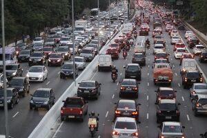 Lei permite atribuir penalidades de trânsito ao condutor habitual do veículo, ao invés do dono