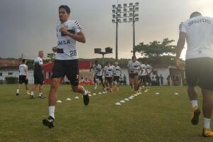 Elenco treinou no CT do Náutico, em Recife (PE)