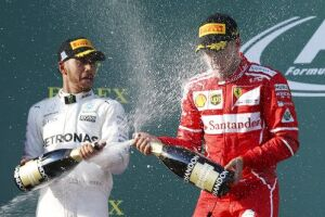 Vettel quer evitar o clima de crise em Maranello
