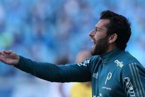 """""""Nosso objetivo é ficar na melhor classificação possível"""", diz o técnico Alberto Valentim"""
