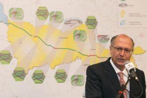 O tucano decidiu concorrer à presidência do partido na noite de domingo (26)