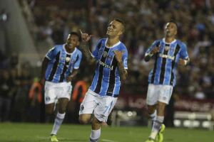 Luan marcou o segundo gol do Grêmio na Argentina