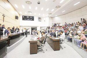 A Câmara de Guarujá promulgou a Lei Municipal 4.446/2017, originária do Projeto de Lei 110/2017, que dispõe sobre a implantação do programa 'Terapias Naturais'