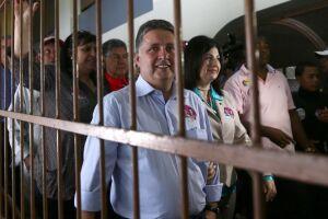 Casal Garotinho é preso no estado do Rio