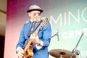 Cláudio Zoli apresenta o show de sua nova turnê em Santos