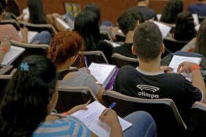 O tema da redação do Enem tratou dos desafios para a formação educacional de surdos no Brasil