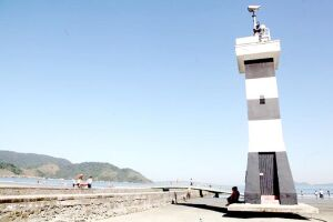 Coluna de água com até 40 metros de altura, com feixe luminoso, funcionará nas ruínas do farol